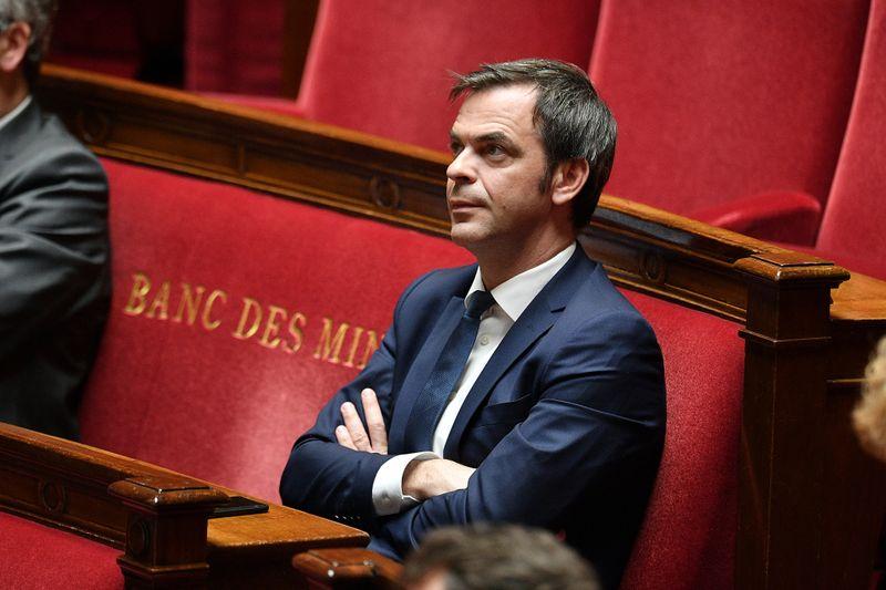© Reuters. LE GOUVERNEMENT FRANÇAIS A ADOPTÉ UN PROJET DE LOI PROLONGEANT L'ÉTAT D'URGENCE SANITAIRE DE DEUX MOIS