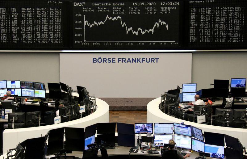 © Reuters. LES BOURSES EUROPÉENNES FINISSENT EN HAUSSE