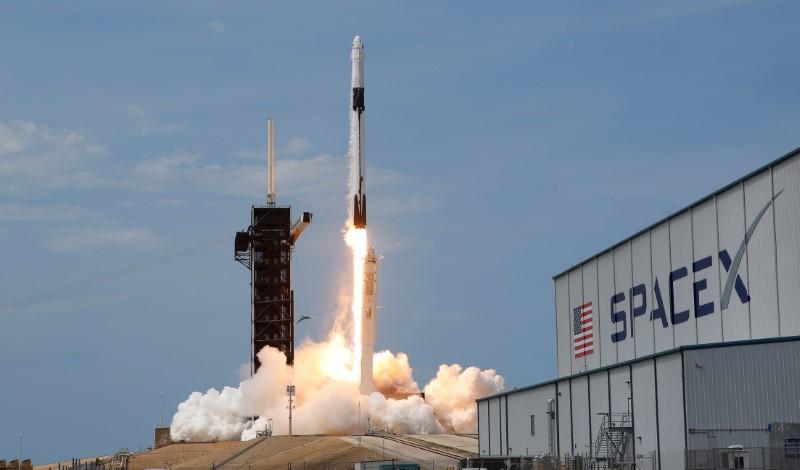 © Reuters. USA: LA FUSÉE SPACEX A DÉCOLLÉ DE CAP CANAVERAL
