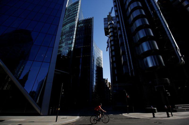 © Reuters. LONDRES MET L'UE EN GARDE CONTRE LE RISQUE DE
