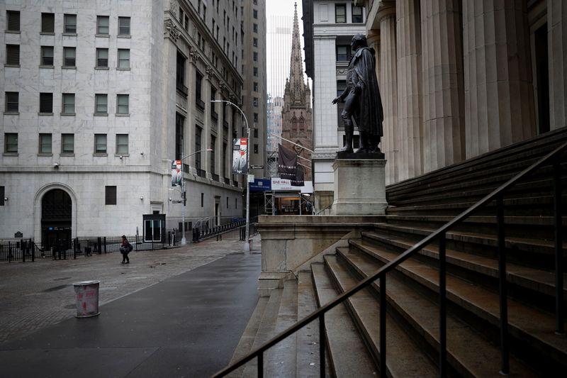 © Reuters. LA BOURSE DE NEW YORK OUVRE EN ORDRE DISPERSÉ