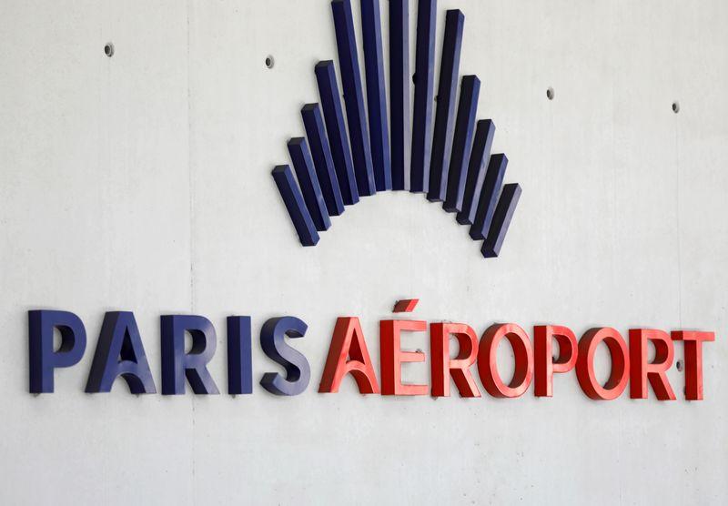 © Reuters. ADP RISQUE DE PERDRE 2,5 MILLIARDS D'EUROS DE CA À CAUSE DU CORONAVIRUS