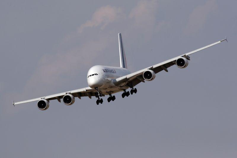 © Reuters. AIR FRANCE COMPTE SUPPRIMER ENVIRON 6.500 POSTES D'ICI 2022