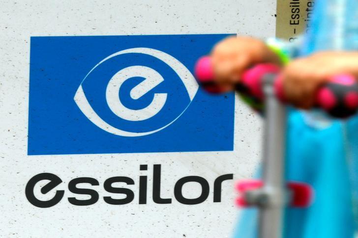 © Reuters. ESSILORLUXOTTICA ENGAGE DES POURSUITES POUR OBTENIR DES INFORMATIONS AUPRÈS DE GRANDVISION