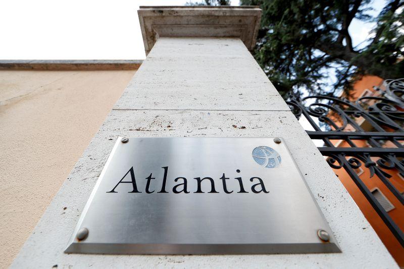 © Reuters. ITALIE: LA BANQUE CDP VA PRENDRE UNE PART MAJORITAIRE DANS AUTOSTRADE
