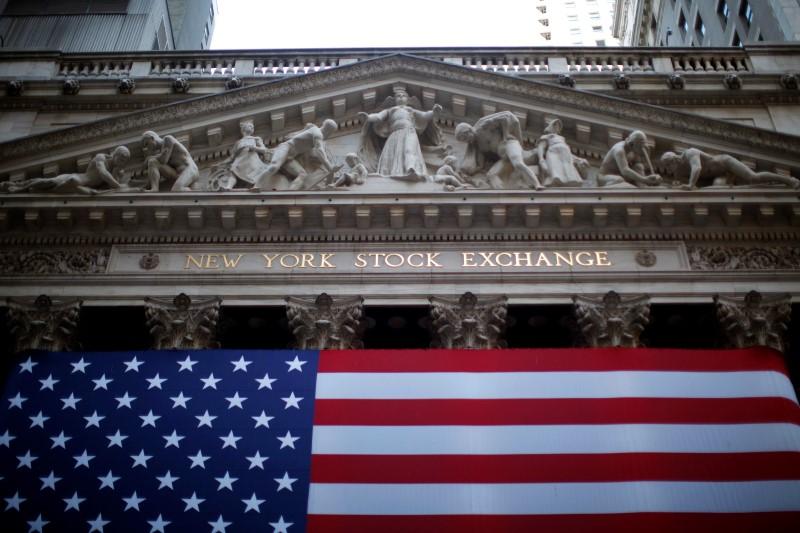 © Reuters. États-Unis: Les marchés actions finissent en hausse; l'indice Dow Jones Industrial Average gagne 0,44%
