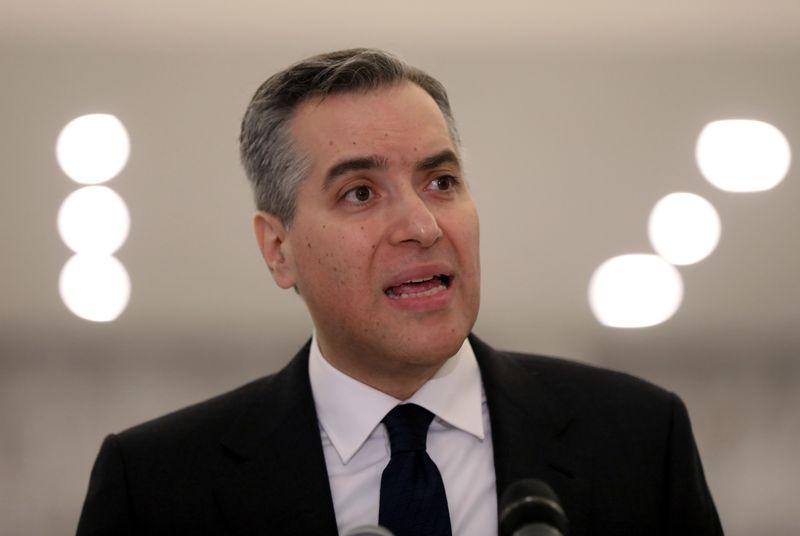 © Reuters. LIBAN: DÉMISSION DU PREMIER MINISTRE, REVERS POUR LE PLAN MACRON