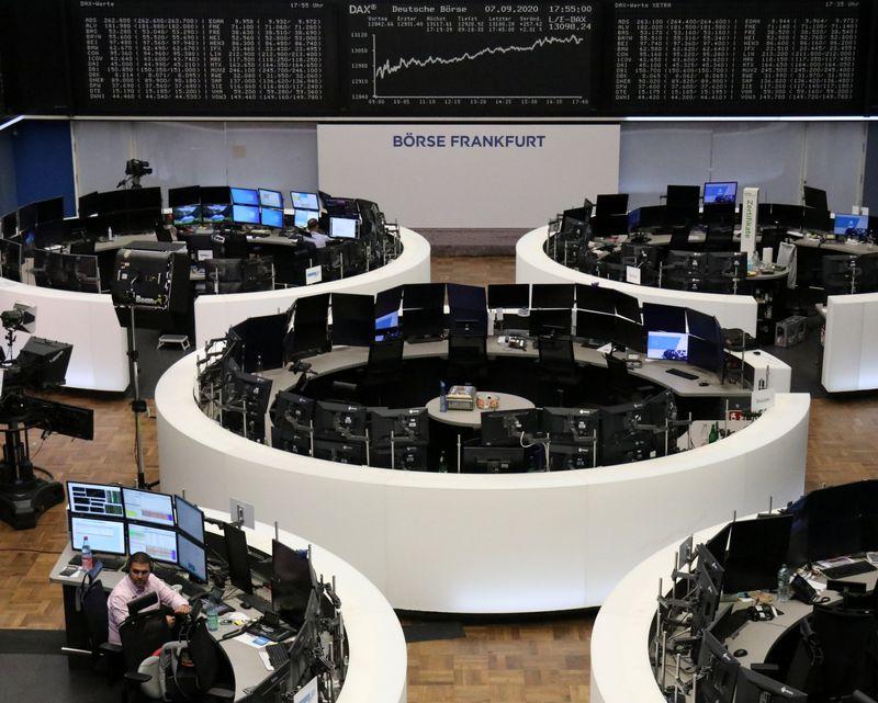 © Reuters. LES BOURSES EN EUROPE FINISSENT EN HAUSSE