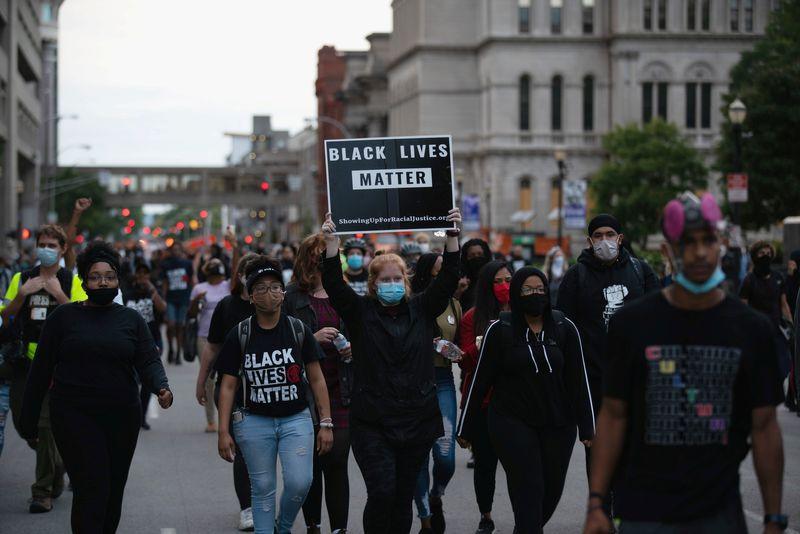 © Reuters. USA: LES MANIFESTATIONS REPRENNENT À LOUISVILLE