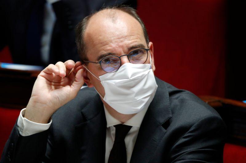 © Reuters. CORONAVIRUS: CASTEX N'EXCLUT PAS DES RECONFINEMENTS LOCAUX EN FRANCE