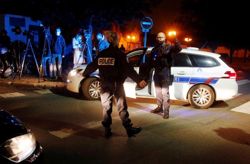 © Reuters. NEUF PERSONNES EN GARDE À VUE APRÈS L'ATTAQUE À CONFLANS-SAINTE-HONORINE