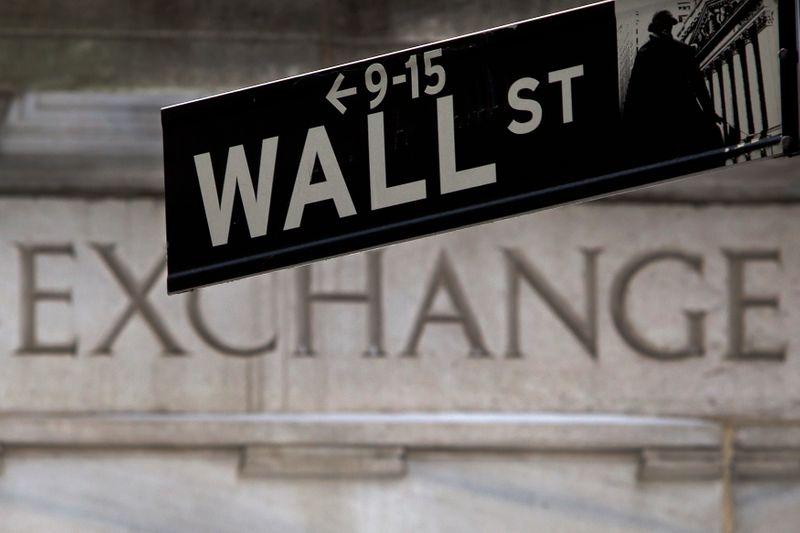 © Reuters. LA BOURSE DE NEW YORK FINIT EN BAISSE