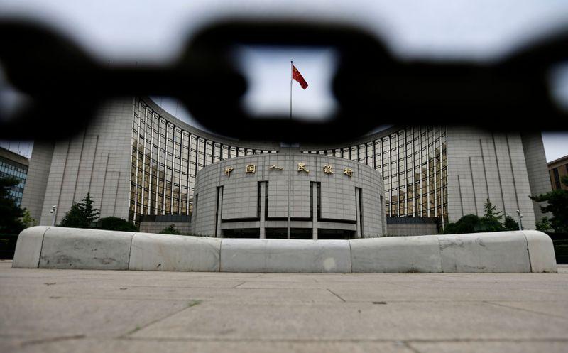 © Reuters. CHINE: DES DÉFAUTS DE PAIEMENT D'ENTREPRISES FONT CRAINDRE UNE CRISE DU CRÉDIT