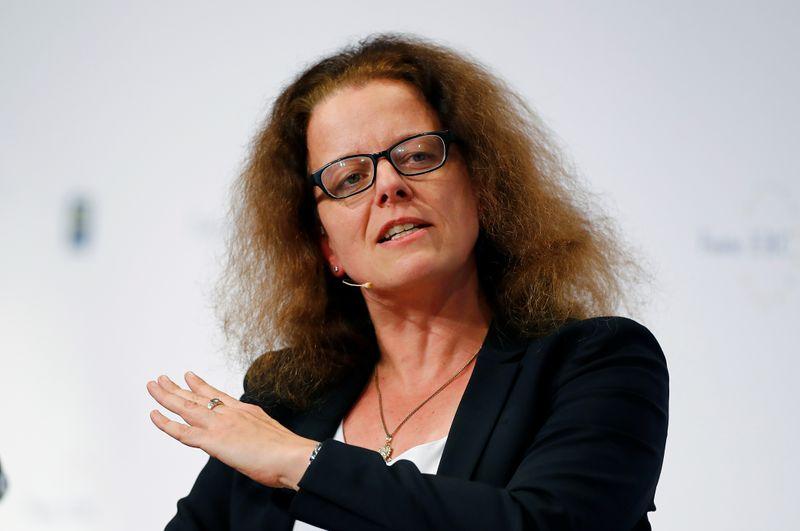 © Reuters. INUTILE D'ÉVOQUER UNE ANNULATION DES DETTES, DIT SCHNABEL