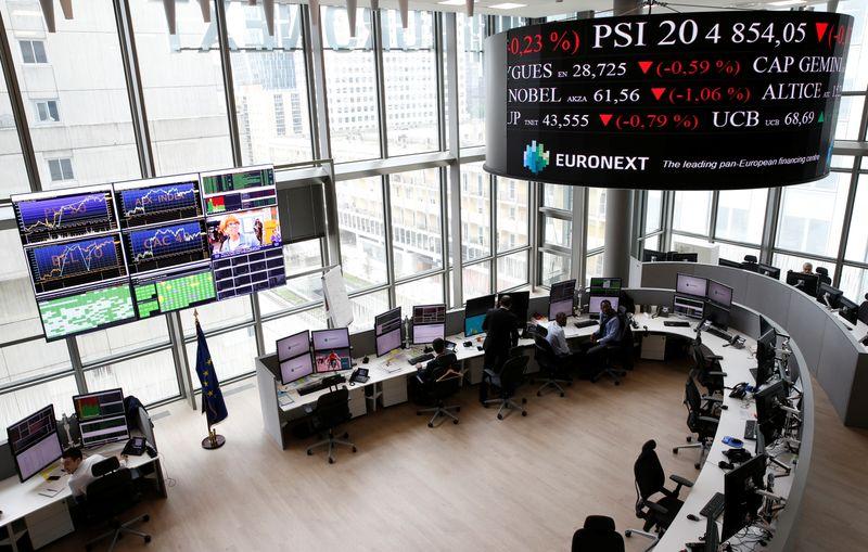 © Reuters. PLUS DE 4.700 EMPLOIS CRÉÉS DANS LA FINANCE EN FRANCE DEPUIS LE VOTE SUR LE BREXIT