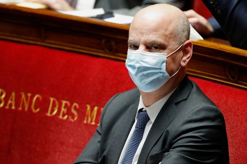 © Reuters. FRANCE: BLANQUER VEUT GARDER LES ÉCOLES OUVERTES EN CAS DE NOUVEAU CONFINEMENT