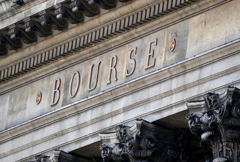 © Reuters. LES BOURSES EUROPÉENNES TERMINENT EN BAISSE