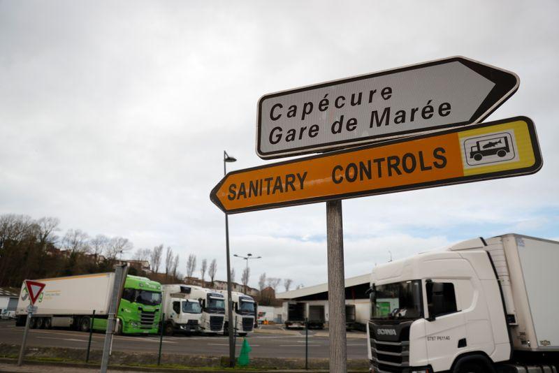 Pêche: La France menace de retarder un accord financier avec Londres