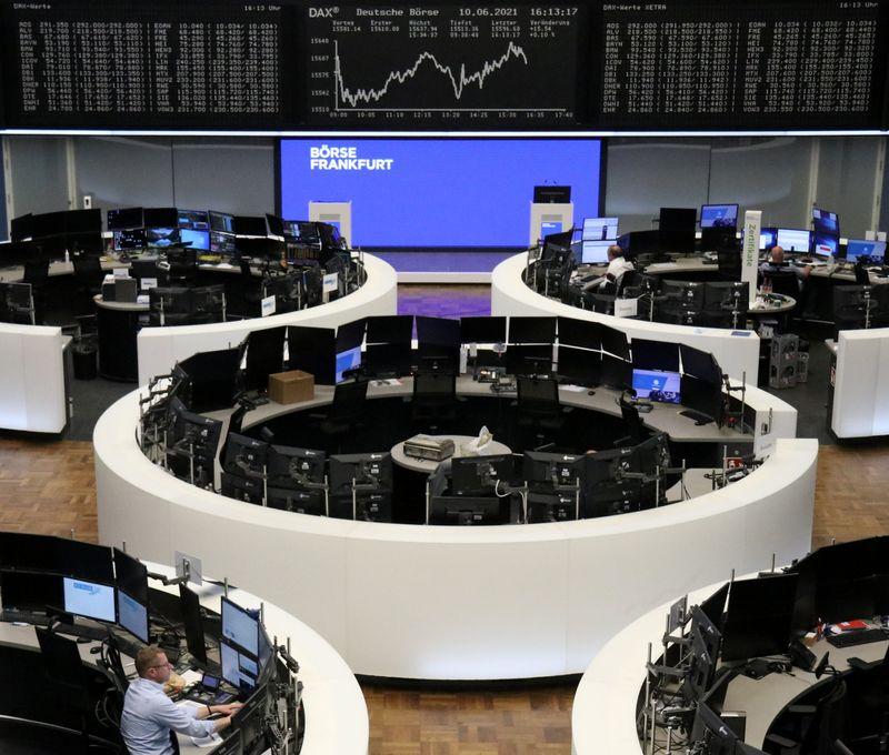 Clôture hésitante en Europe mais Wall Street ignore l'inflation