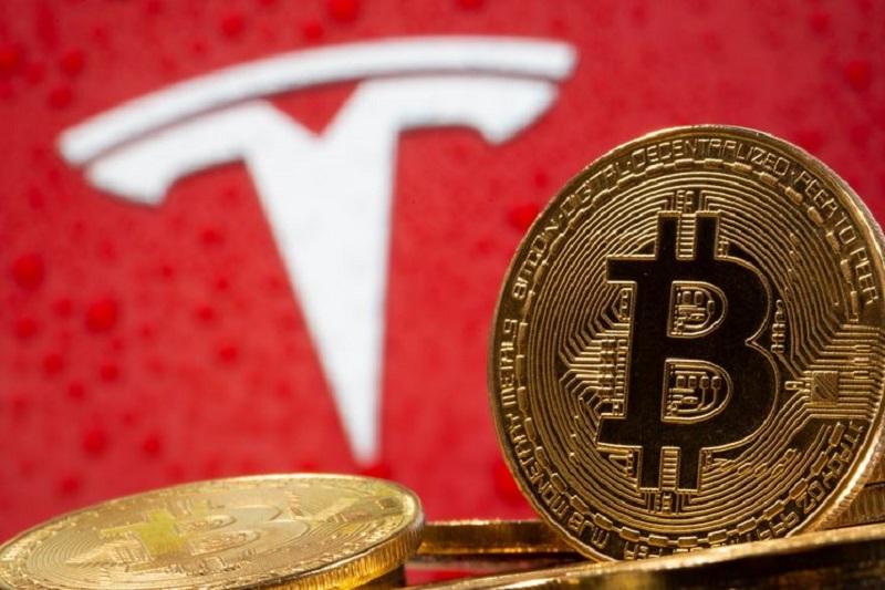 Plus de 40 % des investisseurs pensent que la capitalisation boursière de Tesla va chuter - Enquête Investing