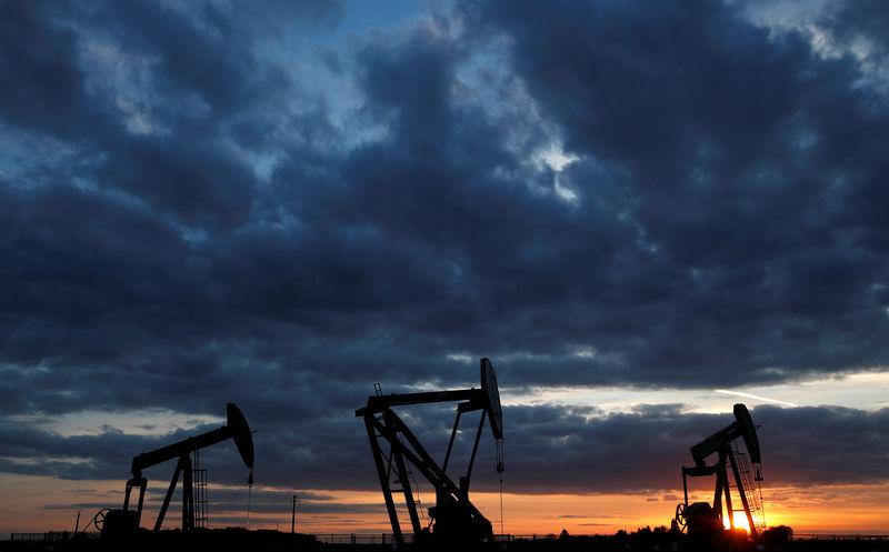 Le pétrole en hausse: La production traine, les importateurs mettent la pression
