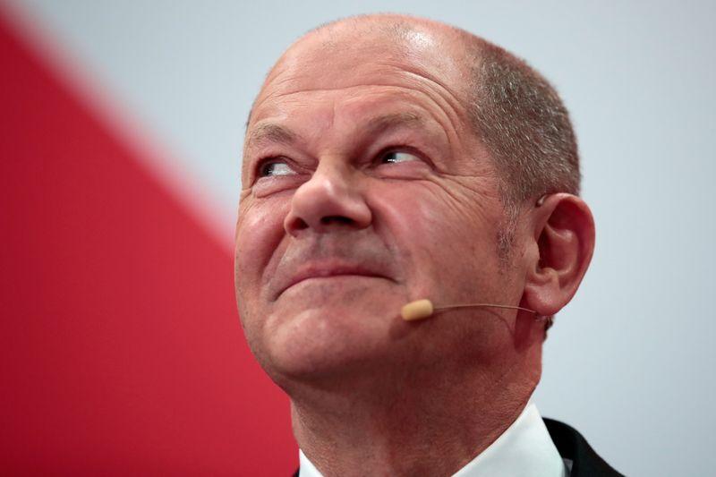 Allemagne: Le SPD tend la main aux Verts et aux libéraux pour former un gouvernement