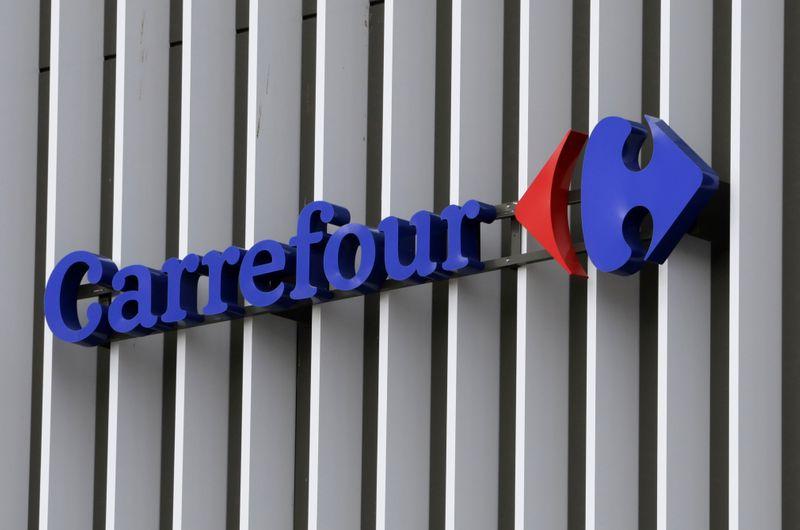 Carrefour et Auchan mettent fin à des discussions sur un rapprochement, selon des sources