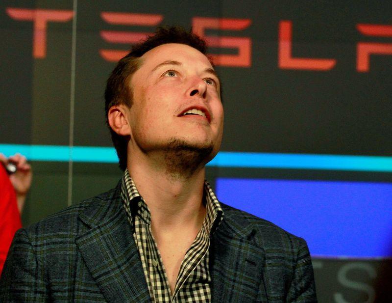 Tesla livre 241.300 voitures au 3e trimestre, davantage que prévu