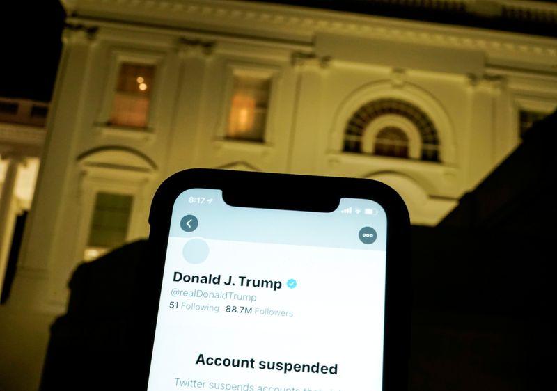 Trump demande à la justice le déblocage de son compte Twitter